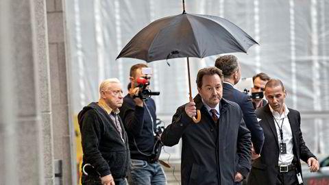 Jan Erik «Jannik» Iversen har avvist straffskyld og mener han kun har gitt Kjell Inge Røkke (bildet) et tilbud.