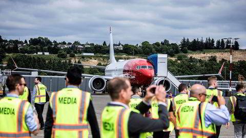 Norwegian fikk i fjor sommer levert sitt første fly av typen Boeing 737 Max – en ny versjon av det gamle kortdistanseflyet – fra fabrikken i Seattle i USA. Senere har investorene fått lide for økende gjeld og svak lønnsomhet, og ledelsen vil legge flyene i et nytt selskap.