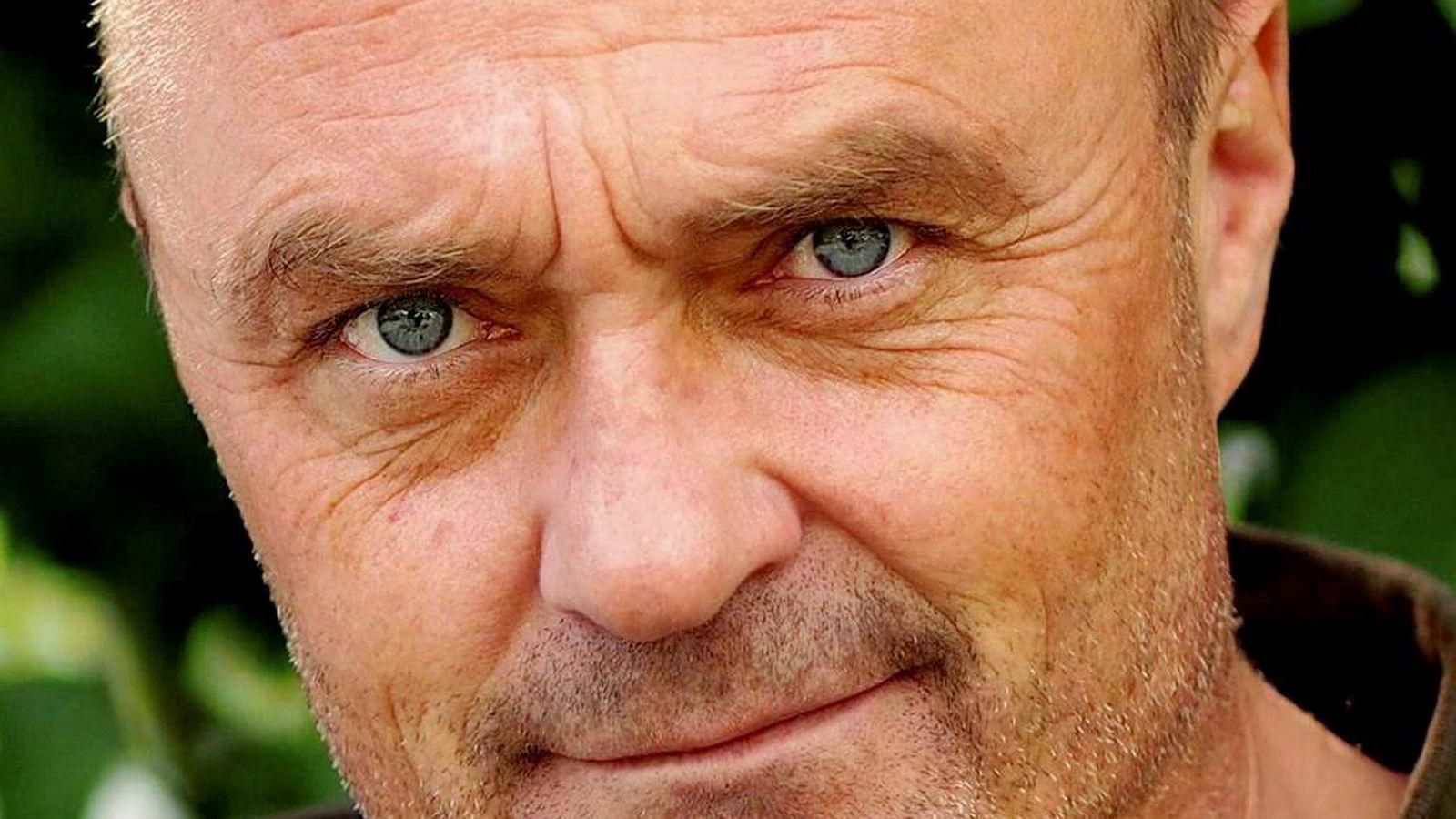 Medierådgiver Jarle Aabø ser frem til at han som 80-åring kan lese mange bøker igjen.