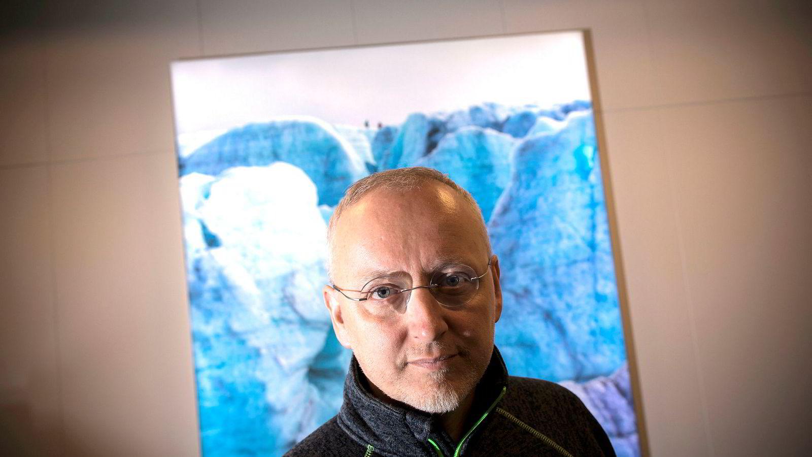 Steinar J. Olsen, eier av Stormberg, vil ha forbud mot anonyme sosiale plattformer som Facebook-siden Sørlandsnyhetene.