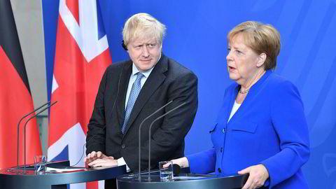Tysklands regjeringssjef Angela Merkel og britenes statsminister Boris Johnson på felles pressekonferanse etter onsdagens møte i Berlin