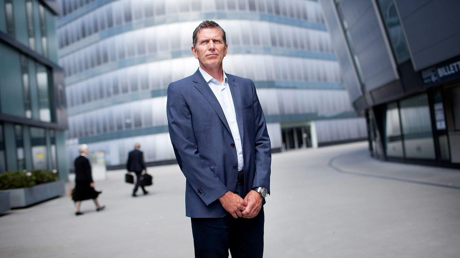 Finansdirektør Jens Kristian Rein i Ross Offshore opplevde at selskapet fikk millionkrav fra Skatteetaten fordi det ikke sjekket noen fakturaer godt nok. Etter en lengre kamp er kravet nå frafalt.