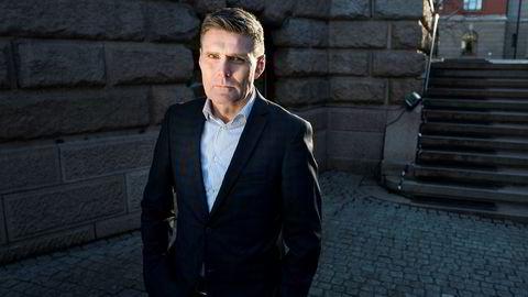 Statssekretær Geir Olsen (V) i Finansdepartementet sier forbrukerne må sjekke leverandørene nøye før de plasserer sparepengene sine. Foto: Fredrik Solstad