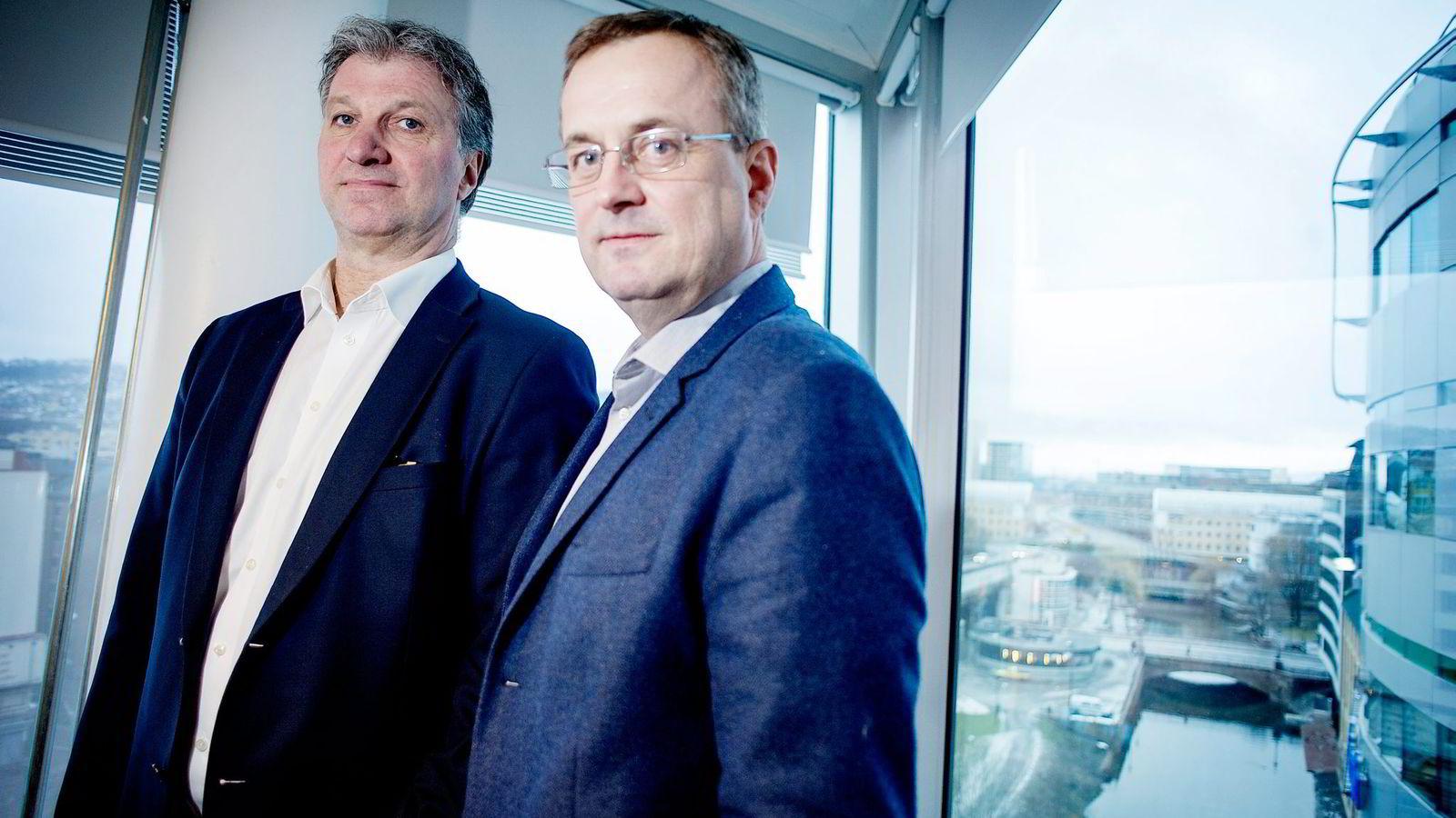 Ole Johan Sjaastad (til venstre) i Dagens Næringsliv og Per Brikt Olsen i Dagbladet er redd avisene vil tåkelegge opplagsutviklingen.