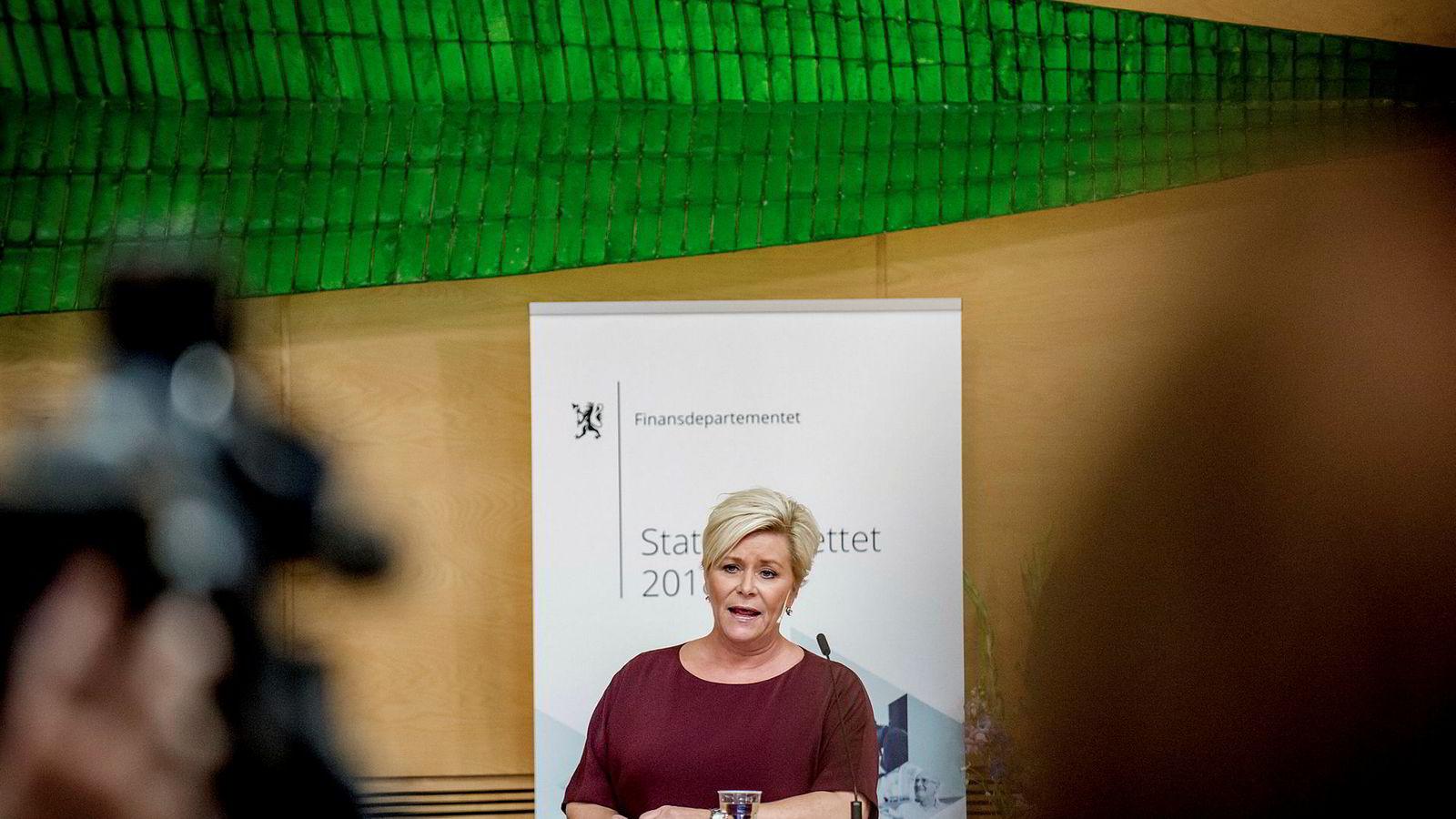 Finansminister Siv Jensen (Frp) presenterte torsdag forslaget til neste års statsbudsjett på en pressekonferanse. Foto: Gorm K. Gaare