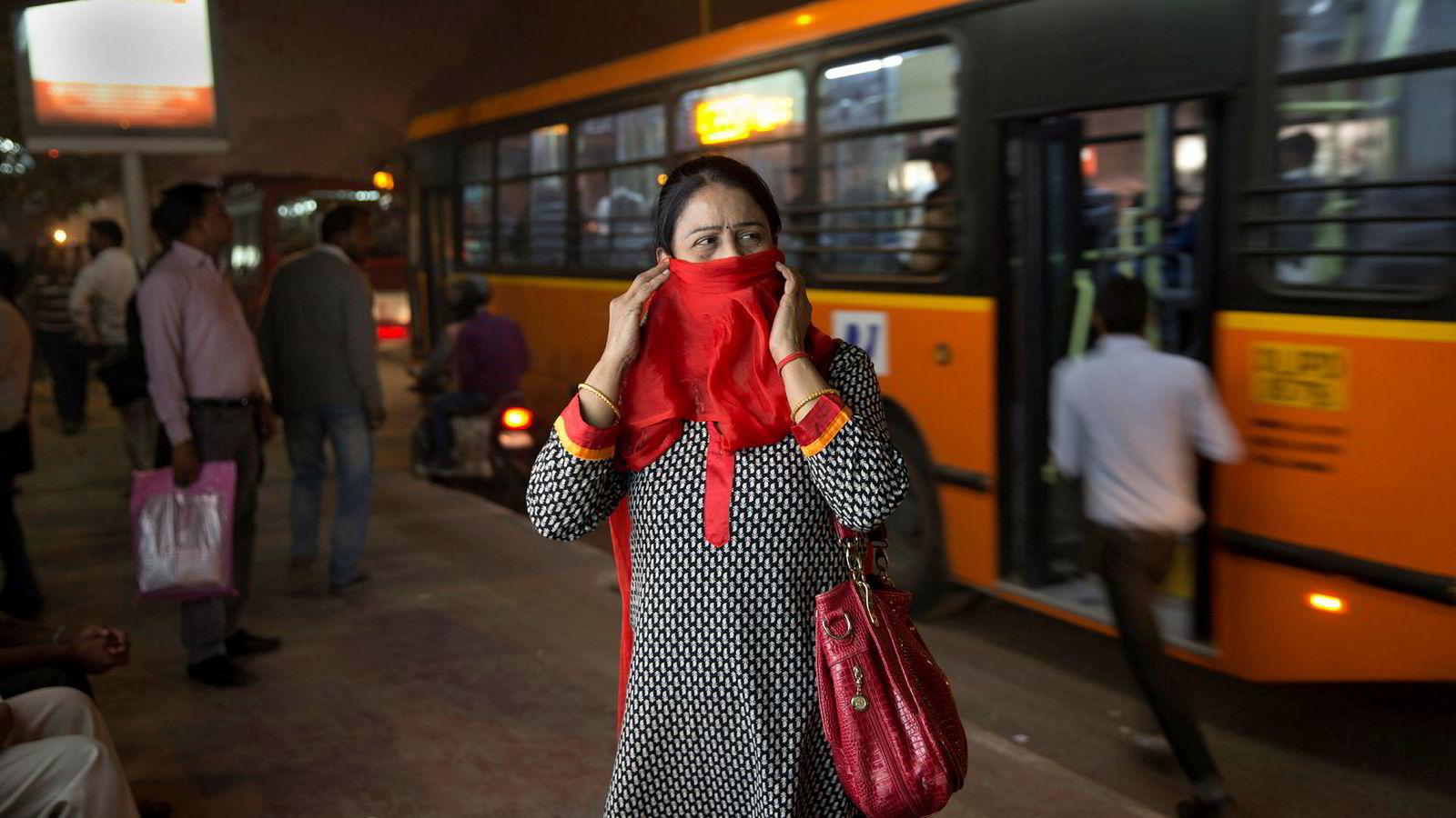 Myndighetene vil tilby kvinner gratis kollektivtransport i New Delhi.