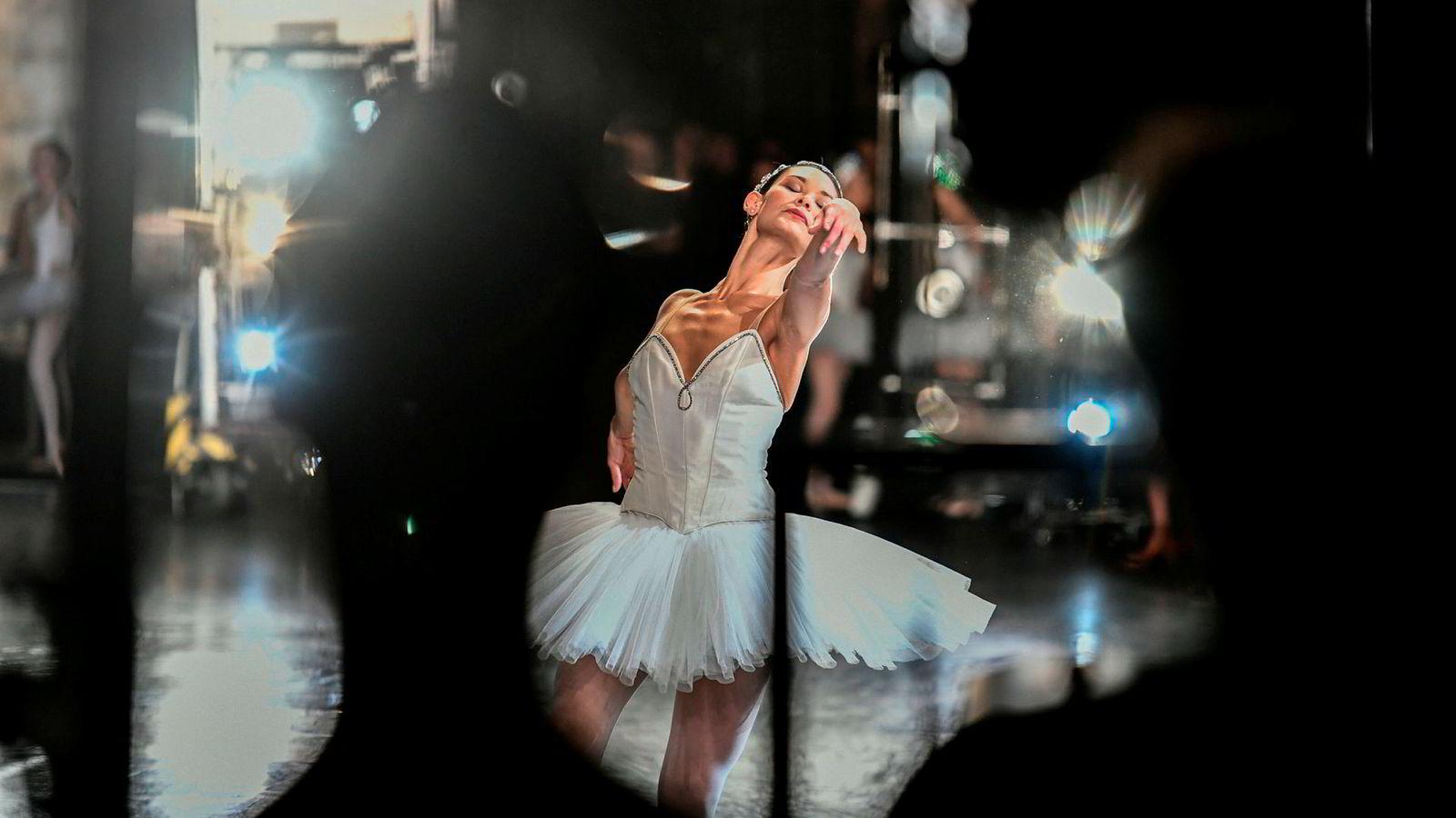De første offentlige særaldersgrenser skal ha blitt innført for ballettdansere i Paris under Napoleon.