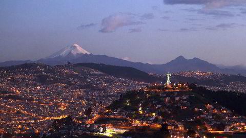 Her er vulkanen Cotopaxi i Quito, Ecuador avbildet i august i fjor. Illustrasjonsfoto: REUTERS/Guillermo Granja
