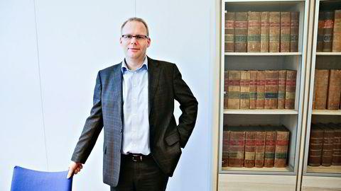 Dommer Morten D. Haldorsen i Bergen tingrett har brukt fem måneder på å vurdere om det skal igangsettes granskning i børsnoterte Oceanteam. Nå kan selskapet gå konkurs før tingretten klarer å ta en beslutning. Foto: Ørjan Deisz