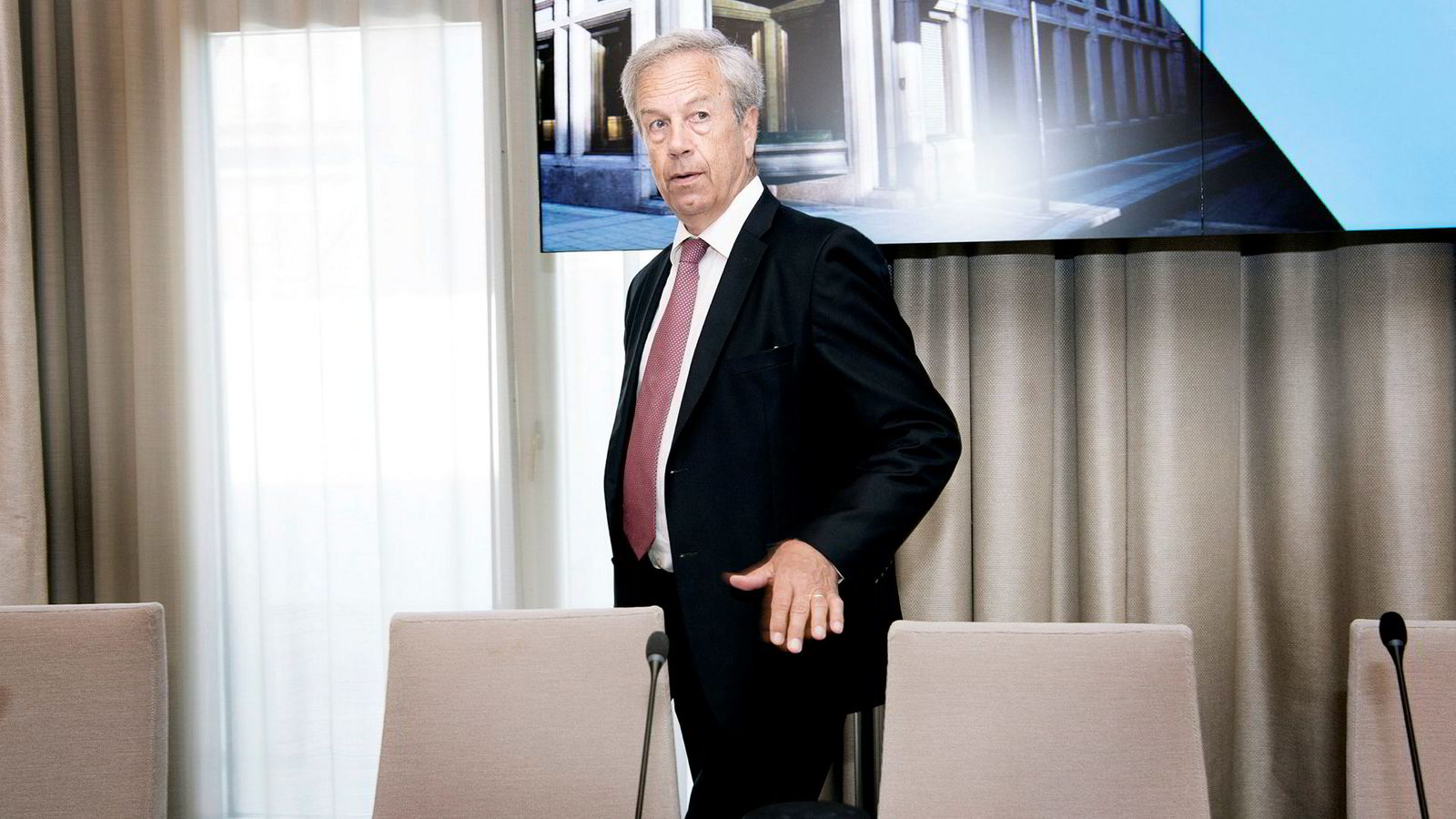 Sentralbanksjef Øystein Olsen og Norges Bank kjøper kroner, men ikke for å påvirke kronekursen.