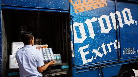 En gigant med over en fjerdedel av det globale ølsalget er et  faktum etter at Anheuser-Busch InBev har overtatt SabMiller. Meksikanske Corona er et av merkene i porteføljen. Foto: Susana Gonzalez/