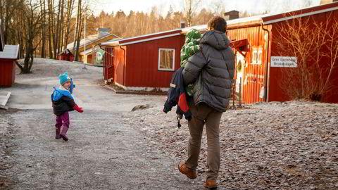 Sterke krefter i Høyre, deriblant nestleder Jan-Tore Sanner, mener det trengs ro rundt pappapermen nå (illustrasjonsbide).