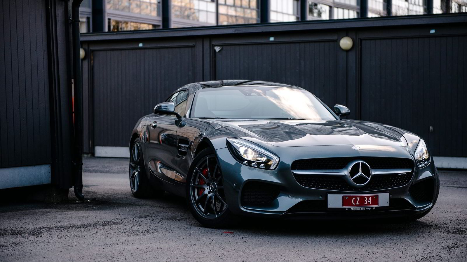En AMG GT koster omtrent det samme som en leilighet på Ammerud.
