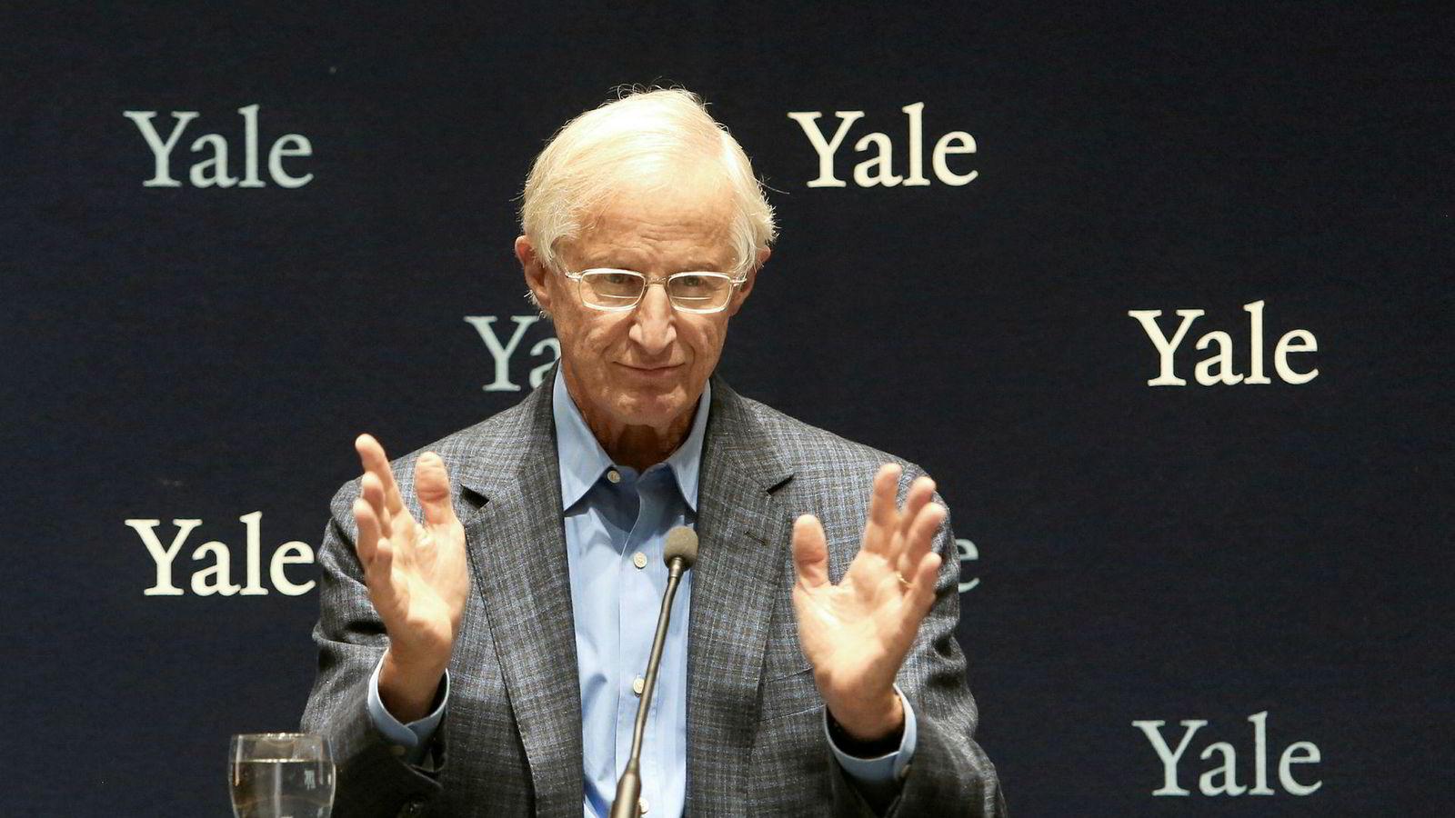 Spørsmålet om hva samfunnet bør gjøre dersom lønnsomhetsberegningene viser at det er mest lønnsomt å la verden gå til grunne, aktualiseres av at økonomen William Nordhaus tildeles Nobels minnepris i økonomi mandag 10. desember.