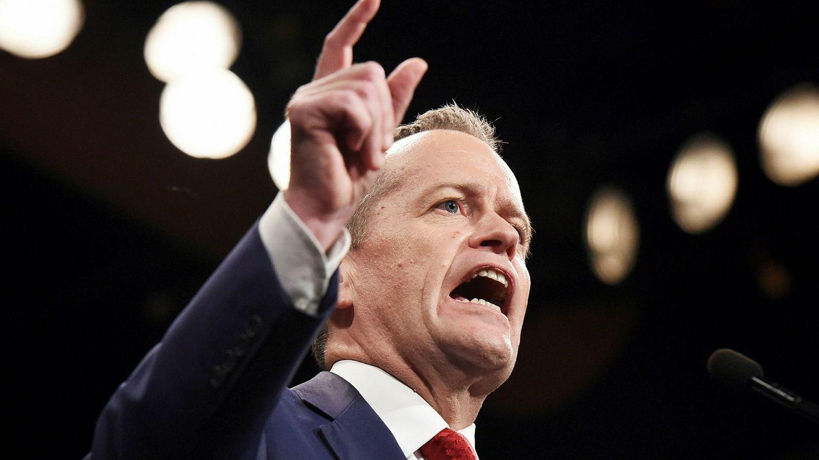 Opposisjonsleder Bill Shorten og Labor-partiet har et knepent forsprang på meningsmålingene og kan gå seirende ut av valget i midten av mai.