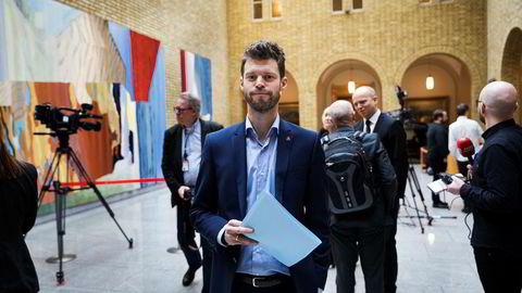 Rødt og partileder Bjørnar Moxnes er nok en gang over sperregrensen på en måling, og ville med det sikret rødgrønt flertall på Stortinget hvis det var valg.