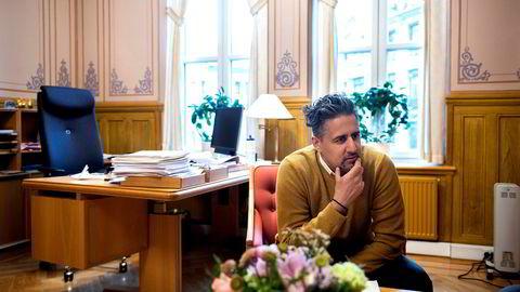 Venstre-topp Abid Raja ønsker at Venstre skal få næringsministerposten som i dag er besatt av Høyres Torbjørn Røe Isaksen.