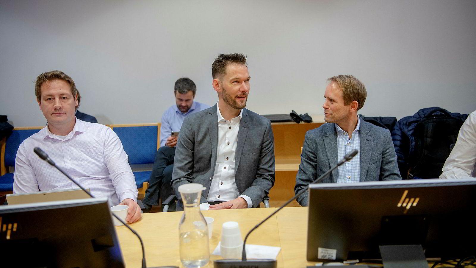 Markedsdirektør Steffen Ryengen fra Komplett Bank (til venstre), markedsansvarlig Sigve Heldal fra Monobank og markedssjef Christian Gagnum fra Ikano Bank gikk hardt ut mot Bank Norwegian i retten.