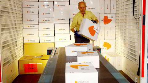 Zalando er en av mange nettbutiker som tilbyr gunstige ordninger på retur av kjøp. Omtrent halvparten av alt som kjøpes på nett, blir returnert.