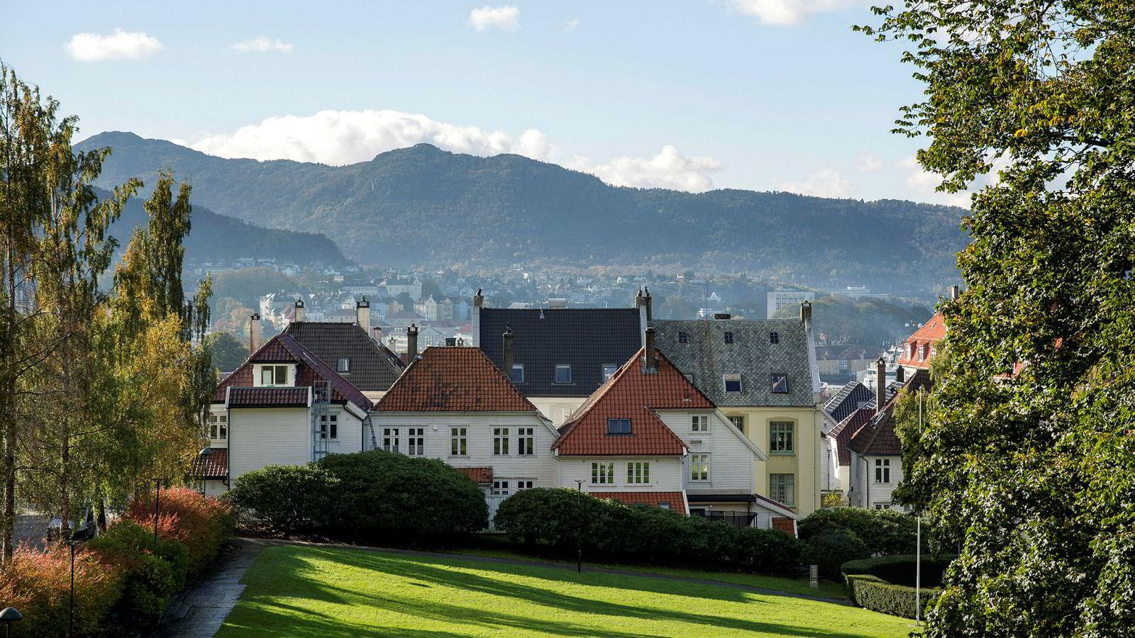 Blant de største byene i Norge falt boligprisene mest i Bergen i september, viser boligprisstatistikken Eiendom Norge la frem onsdag.