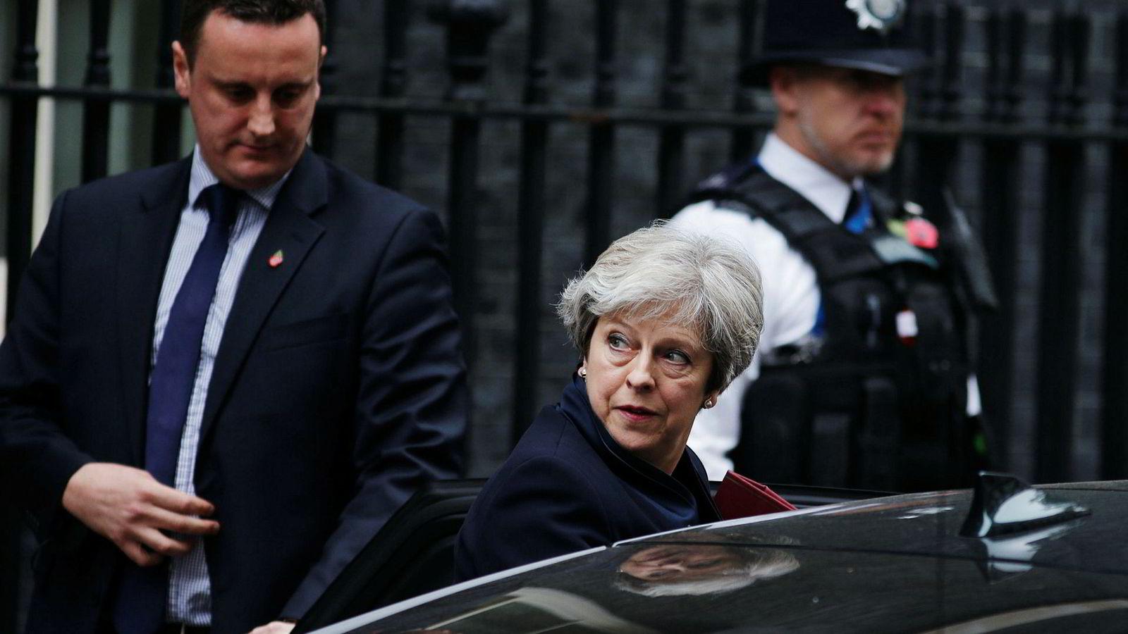 Et tilbud om langsiktige budsjettbidrag kan gi Storbritannias statsminister Theresa May store fortrinn.