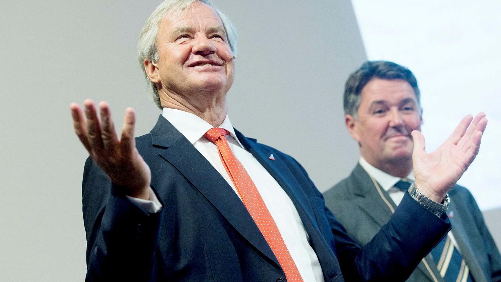 Tidligere Norwegian-sjef Bjørn Kjos (til venstre) og fungerende konsernsjef Geir Karlsen.