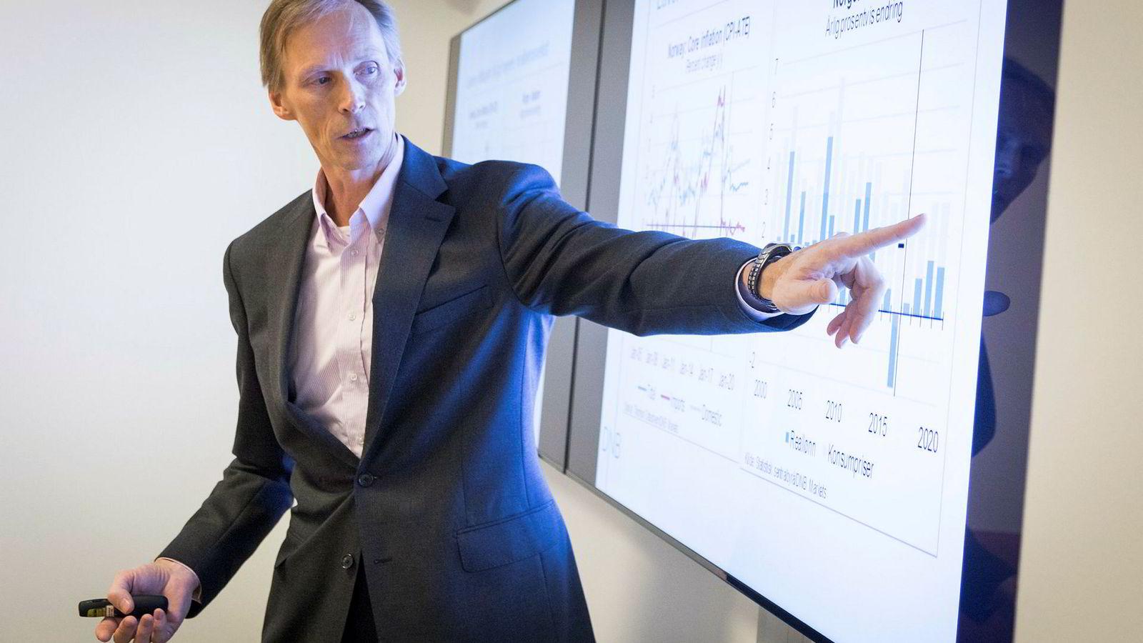 Seniorøkonom Kyrre Aamdal i DNB Markets mener renten kun skal opp tre ganger, og deretter skal den ned igjen.