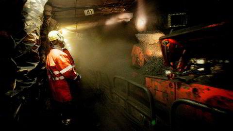NHOs fungerende direktør mener Svalbard-kull og kraftverket der kan gi en unik mulighet til å teste karbonfangst og lagring (CCS) fra nettopp kull. Her fra da Svea-gruven på Svalbard var i drift.
