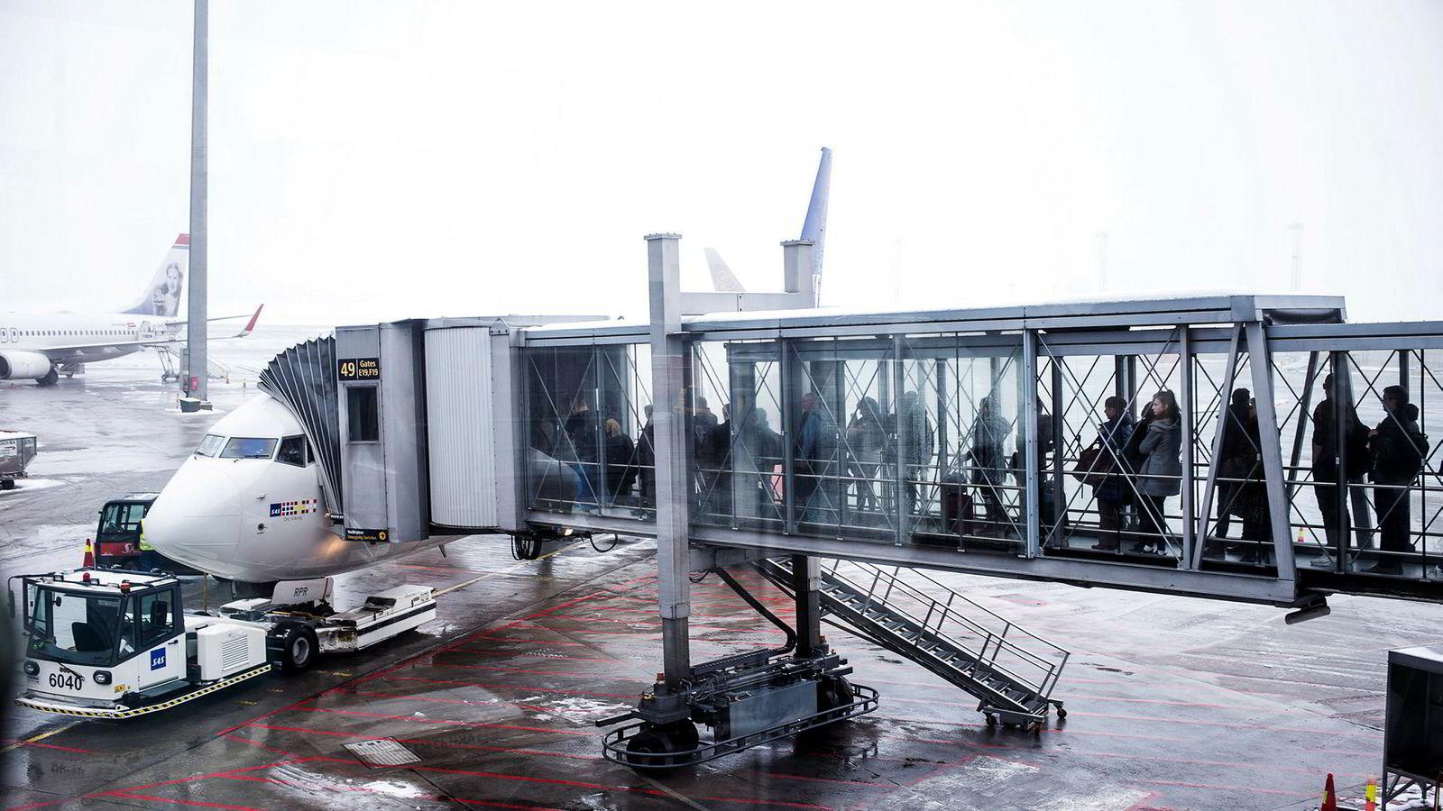 Jobbreisende med SAS kan snart holde orden på bonuspoengene opptjent privat og på jobb i en egen app – men SAS vil fortsatt ikke dele poengene direkte med arbeidsgiver eller skattemyndighetene. Her fra Oslo lufthavn.
