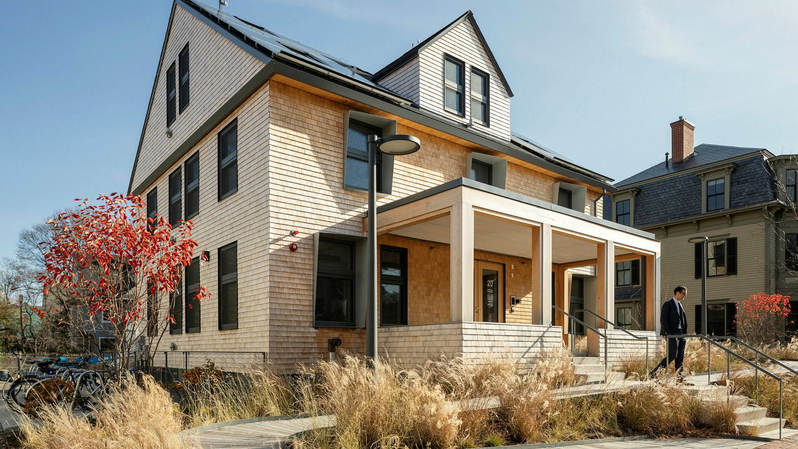 Snøhetta står bak arkitekturen på HouseZero. Energi- og klimakonsulenter har vært Skanska Teknikk, mens Brekke & Strand Akustikk har vært rådgivere på akustikk.