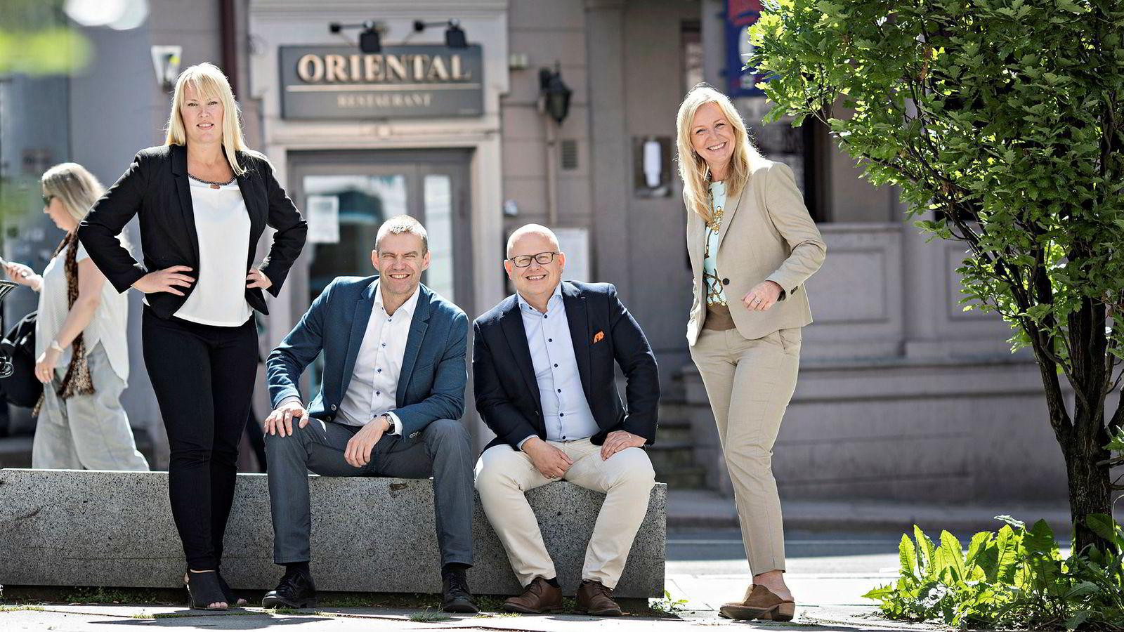 Seniorøkonom Mari O. Mamre i Ny Analyse (fra venstre), forskningssjef Erling Røed Larsen i Eiendomsverdi, administrerende direktør Baard Schumann i Selvaag Bolig og eiendomssjef Tone C. Krange i DNB Eiendom.