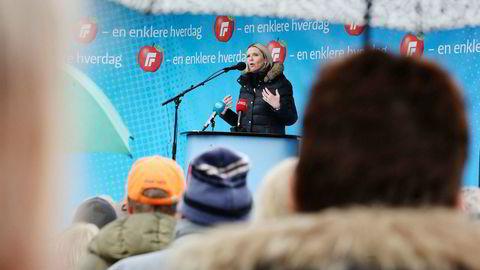 Fremskrittspartiets stortingsrepresentant Sylvi Listhaug er på besøk i Drammen og holdt tale 1. mai.