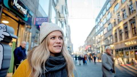 – Jeg har spart mye penger på dette, sier Helena Leinebø om de gangene hun har skiftet mobiloperatør.
