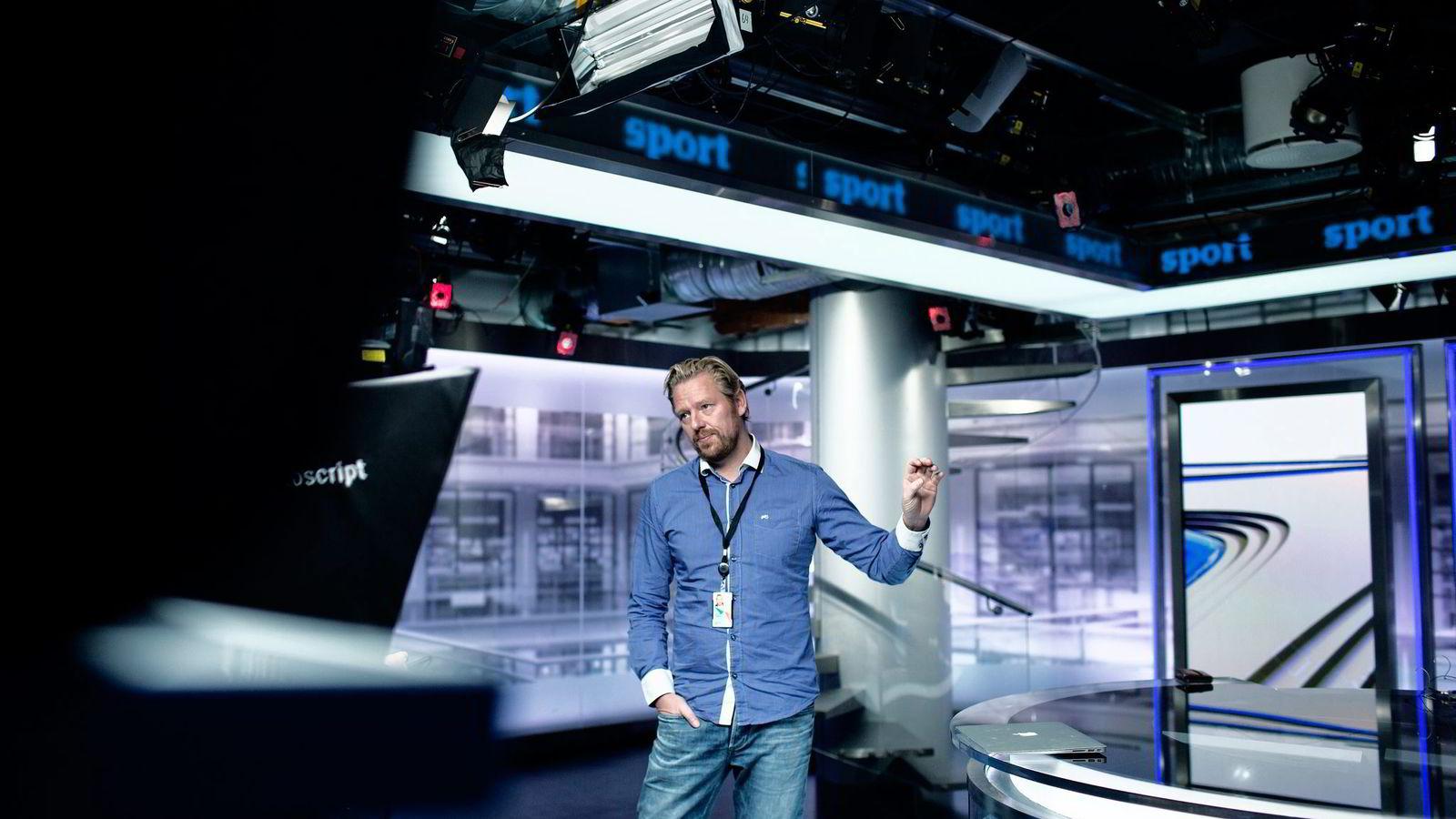 Nyhetsredaktør Jan Ove Årsæther i TV 2 sier kanalen vil falle bort om ikke kundene ser den som en reel NRK-konkurrent. Foto: