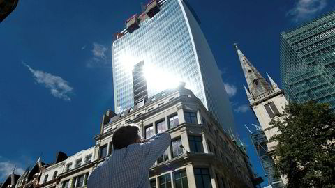Med oppkjøpet av «Walkie-Talkie»-bygningen (bildet) i London i fjor, satte investorer fra Hong Kong ny prisrekord. Foto: afp PHOTO / Leon Neal