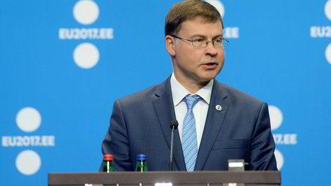 Europakommisjonens visepresident Valdis Dombrovskis er lei av å vente. Foto: RAIGO PAJULA/AFP Photo/NTB Scanpix