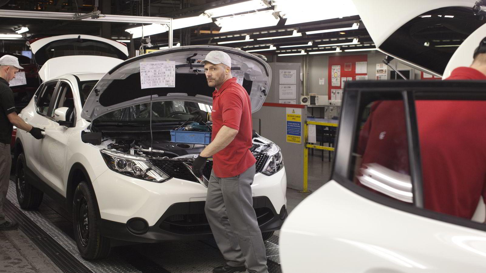 Britisk bilindustri sysselsetter over 160.000 personer. Her fra Nissans fabrikk i Sunderland der det produseres en halv million bilder i året - og 61 prosent av innbyggerne stemte for brexit.