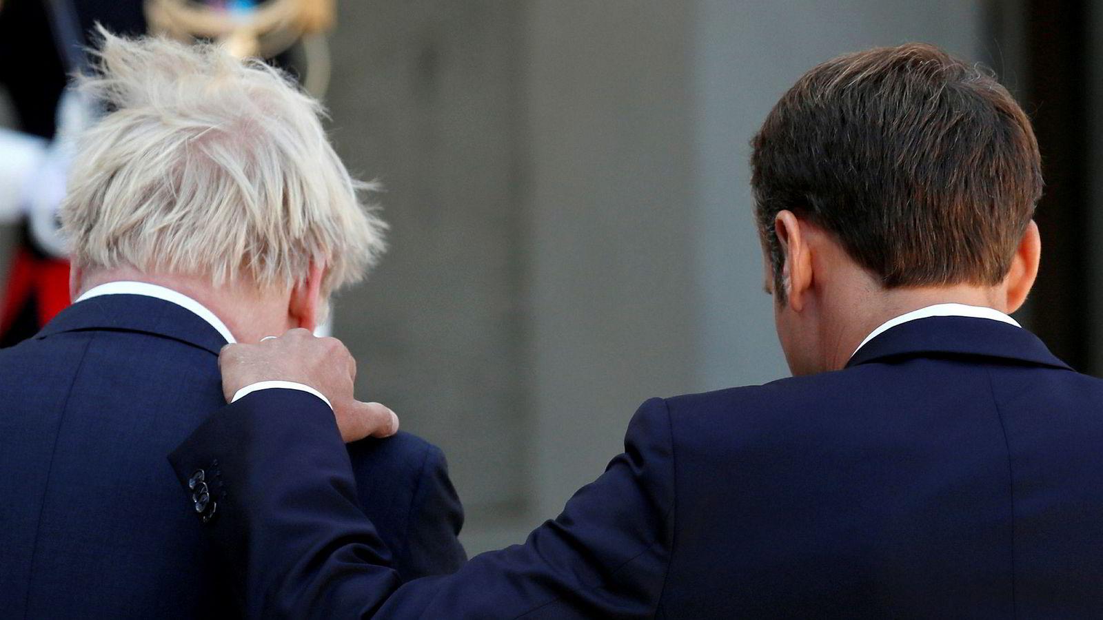 Frankrikes president Emmanuel Macron og Storbritannias statsminister Boris Johnson møttes torsdag på Elysee-palasset Paris.