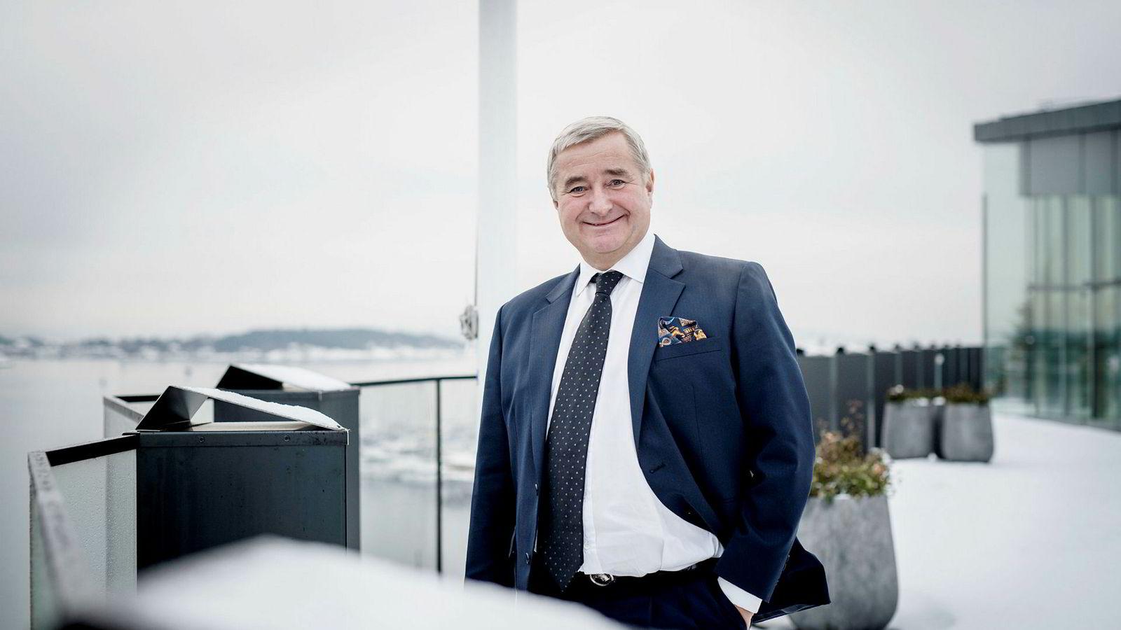 Christen Sveaas på sitt kontor på Aker Brygge.