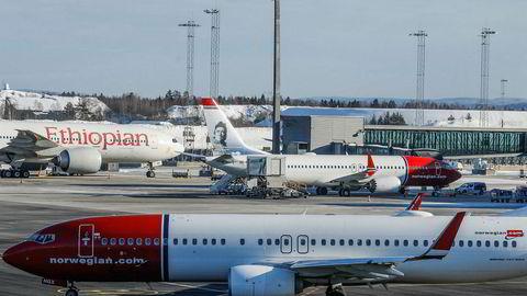 Søndagens flystyrt i Etiopia har ført til at alle Norwegians Boeing 737 Max 8-fly er satt på bakken på ubestemt tid.