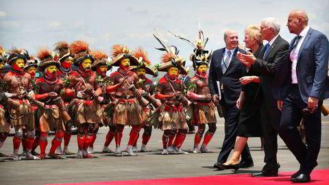 Det årlige toppmøtet mellom stillehavslandene ble avrundet uten at medlemmene var blitt enige om en felles slutterklæring. Lørdag ble USAs visepresident Mike Pence møtt av lokale dansere da han landet i Papua Ny-Guinea.