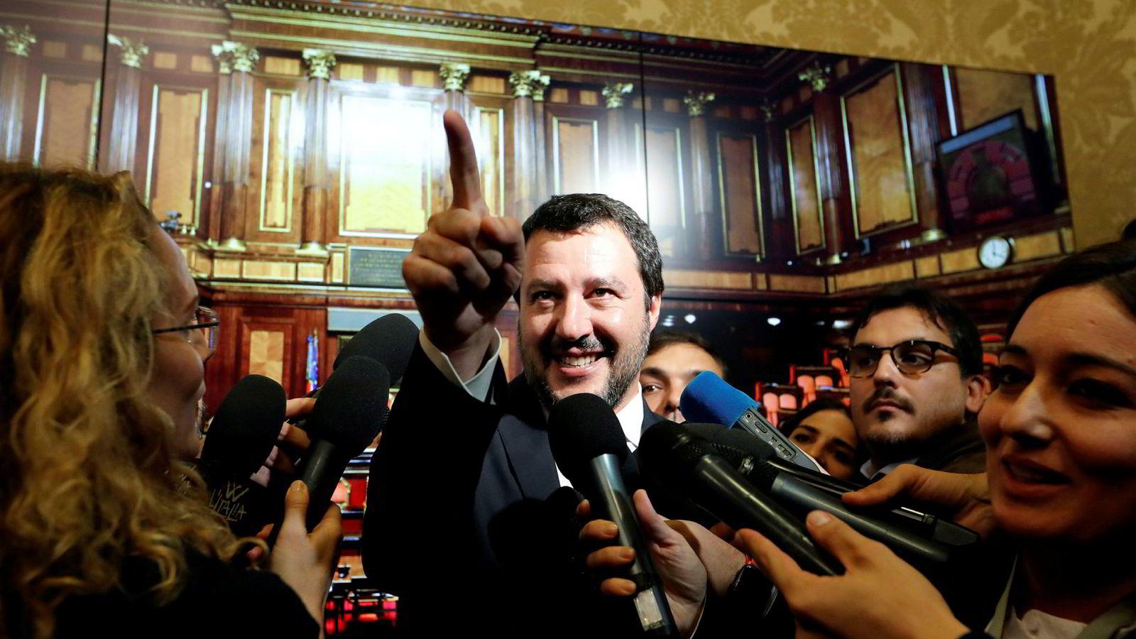 Innenriksminister Matteo Salvini fra La Lega er de facto-leder for en regjering som har en evne til å irritere både italienske og utenlandske kritikere daglig.