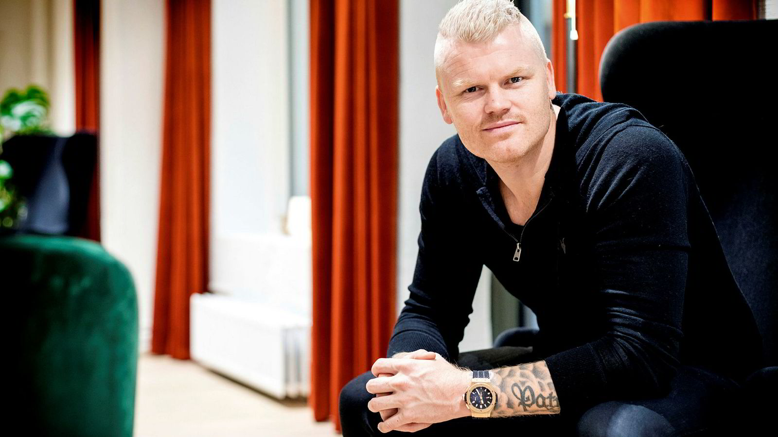 – Jeg inviterer Lotteritilsynet til en debatt om dobbeltmoralisme og menneskerettigheter, sier tidligere fotballspiller John Arne Riise.