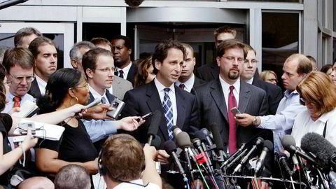 Andrew Weissmann i 2004, da han ledet etterforskningen etter konkursen i Enron. Nitid papirarbeid og flipping av vitner gjorde at han fikk rundt 30 domfellelser.