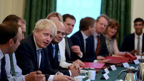 Statsminister Boris Johnson leder sitt første regjeringsmøte i Downing Street.
