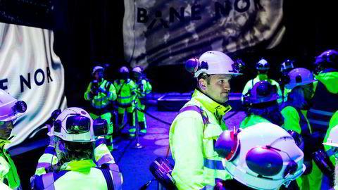 Samferdselsminister Jon Georg Dale var en av gjestene som fikk overvære gjennomslaget i Nordens lengste jernbanetunnel. Follobanen skal gå fra Oslo til Ski. Mer av pengene på hans budsjett bør brukes på tog og bymiljøpakker.