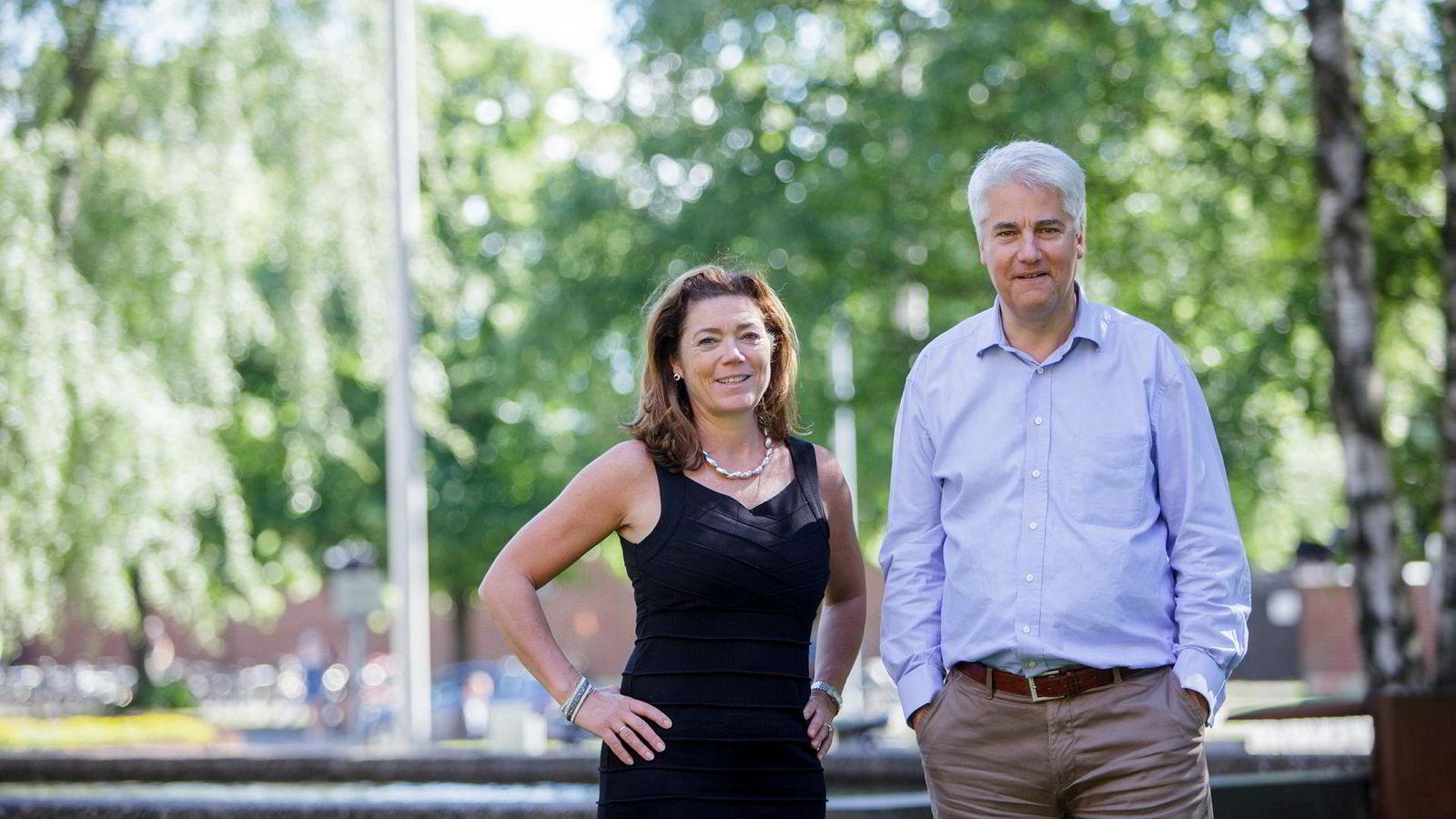Leder Kristin Skogen Lund og sjeføkonom Øystein Dørum i NHO varsler behov for tøffe prioriteringer i årene som kommer.
