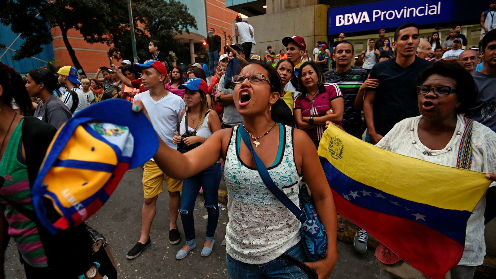 Under folkeavstemningen på søndag var det store protester mot Venezuelas president Maduro.