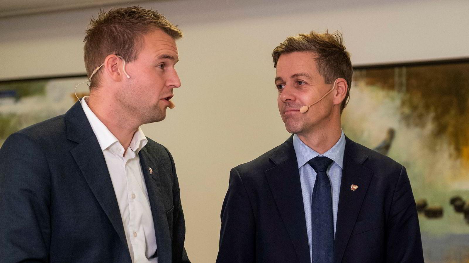 Krf-leder Knut Arild Hareide og Kjell Ingolf Ropstad, her på et medlemsmøte i Vennesla tidligere i måneden.