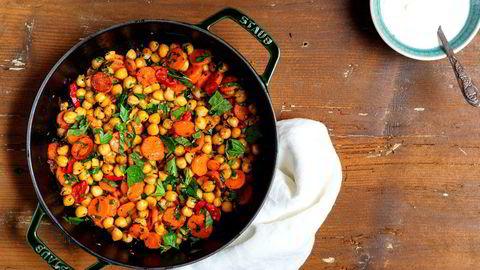 Kikert- og gulrotpanne er moderne mat fra Midtøsten.